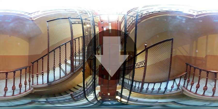 360-Barcelona-Interior-agujero-de-ascensor-antiguo-preview-900x450-descarga