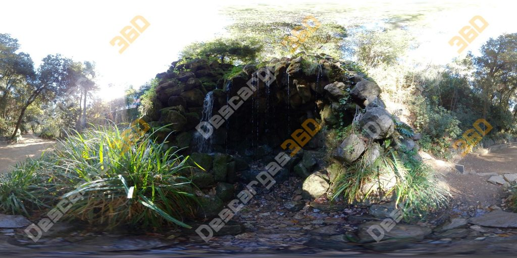 Cascada-de-agua-en-parque-360-Naturaleza---Descargas360_preview